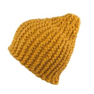 Włóczkowa czapka - rękodzieło