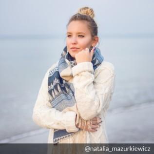 Szalik Follow the white rabbit