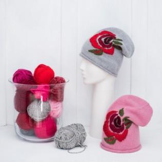Czapka Różany haft