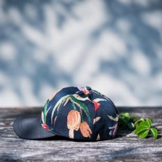 Czapka z daszkiem Tulipany